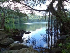 gresik-danau-kastoba