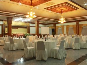 meeting_room_saptanawa-1024x768